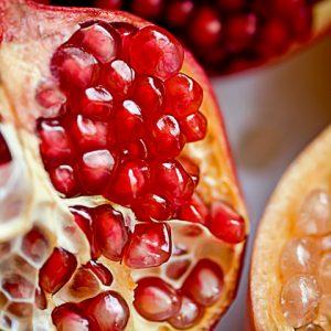 ざくろはポリフェノールたっぷりで抗酸化作用に効果あり。
